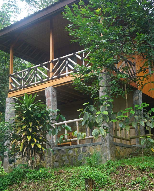 Front view of Manggis Jungle Lodge, Vila Botani